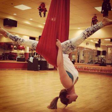 Air Yoga – 6 powodów, dla których warto spojrzeć na świat do góry nogami